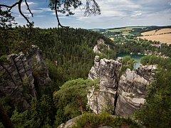 ADRŠPAŠSKO-TEPLICKÉ SKALY jsou jedním z nejmalebnějších cílů letních výletů v Královéhradeckém kraji.
