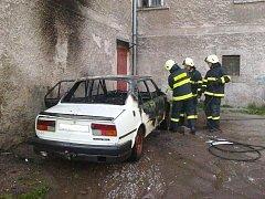 Požár Škody 105L v Broumově.