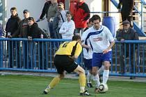 PO SOBOTNÍ přípravě proti Letohradu se divizní fotbalisté Náchoda představí v dalším testu už dnes v Provodově.