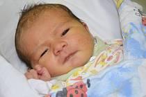 JAN BROUČEK z Hejtmánkovic přišel na svět 22. prosince 2014 ve 22.43 hodin. Chlapeček se narodil šťastným rodičům Kateřině Komůrkové a Honzovi Broučkovi. Po porodu vážil 3350 gramů a měřil 50 centimetrů.