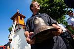 Po 75 letech se do kapličky v Zájezdu vrátil zvon.
