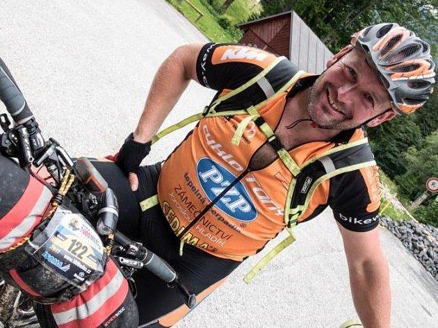 CÍL SE BLÍŽÍ. Starosta Šonova na Náchodsku Vladimír Grusman má za sebou v posledních 12 dnech více než 1500 kilometrů v divokém terénu.