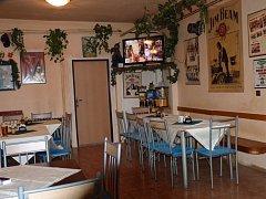 """Restaurace Sport bar """"Plechovka""""."""