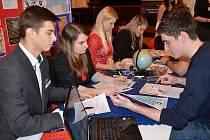 Třetí regionální veletrh fiktivních firem uspořádala Obchodní akademie v Náchodě.
