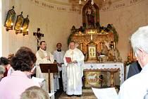 Nově zrekonstruovaná filiální kaplička svatého Josefa Dělníka ve Lhotě.
