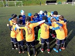 FOTBALOVÝ ODDÍL FK Náchod rozjel pro talentované hráče ročníku 2008 z celého okresu nový projekt, ve kterém mohou hráči dojíždět na pravidelné tréninky do Náchoda.