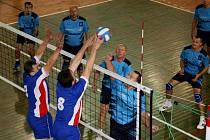 Muže Rubeny  Náchod (ve světle modrém) čeká domácí dvojutkání s týmem Janských Lázní.