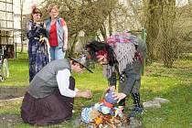 Pálení čarodějnic v hronovské Justynce.