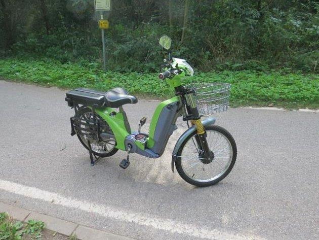 Smrtelná nehoda na cyklostezce mezi Ostrovy a Peklem.