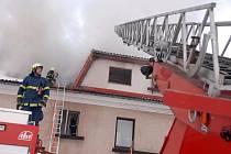 Požár domu ve Starém Plese.
