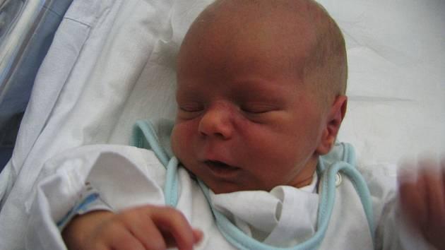 Jakub Filip, 14. 11. 2008, 13:18 hodin, 3,075 kg, 48 cm, Jaroměř.