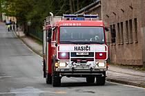 Rozsáhlý požár haly ve firmě Hauk v Polici nad Metují..