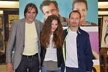 Filmová delegace tvůrců nové české komedie Život je život v náchodském kině Vesmír.