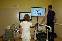 PŘÍSTROJE pomohou pacientům k lepší hybnosti.