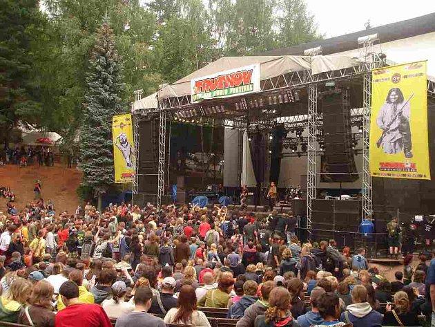 ČESKÝ WOODSTOCK  přilákal o víkendu na trutnovské Bojiště davy fanoušků ze všech koutů České republiky.