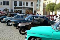 Klub historických vozidel Metuje z Velkých Petrovic pořádal tradiční první jarní vyjížďku.