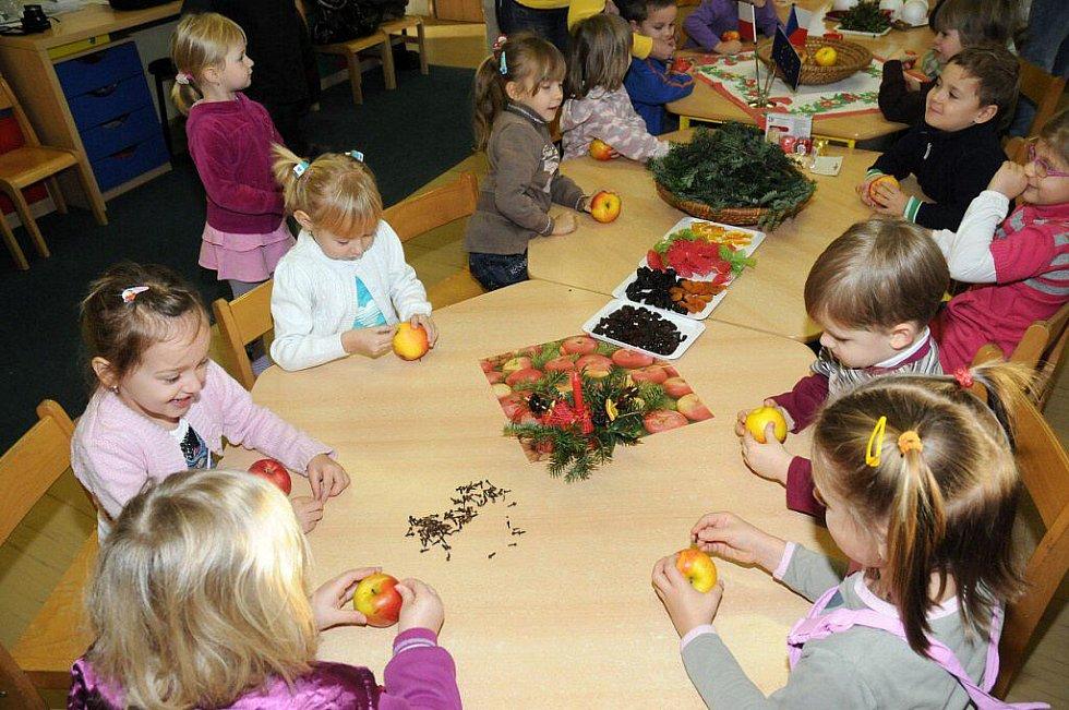 Děti z Mateřské školy v Hronově a z polské Kudowy Zdrój si vyzkoušely výměnný pobyt ve spolupracujících školkách.