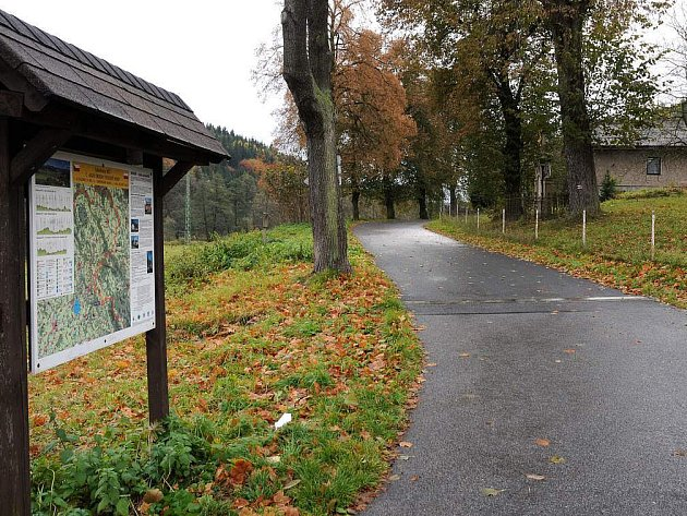Cyklostezka v Lístkách v Hronově patří mezi nově zrekonstruované cyklostrasy na Náchodsku.