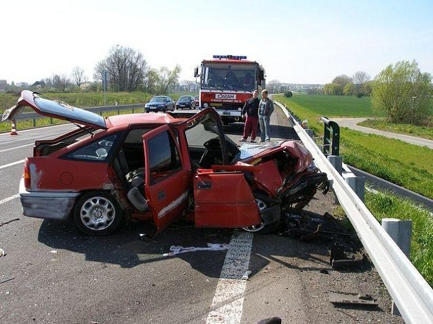Ilustrační foto: V uplynulém roce došlo na Náchodsku k 1521 nehodám, při nichž zahynulo šest osob.