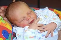 TADEÁŠ VOJTĚCH se narodil 24. prosince 2013 ve 23:52 hodin. Chlapeček po narození vážil 3290 gramů a měřil 51 centimetrů. S maminkou Veronikou a tatínkem Miroslavem mají společný domov v Polici nad Metují.