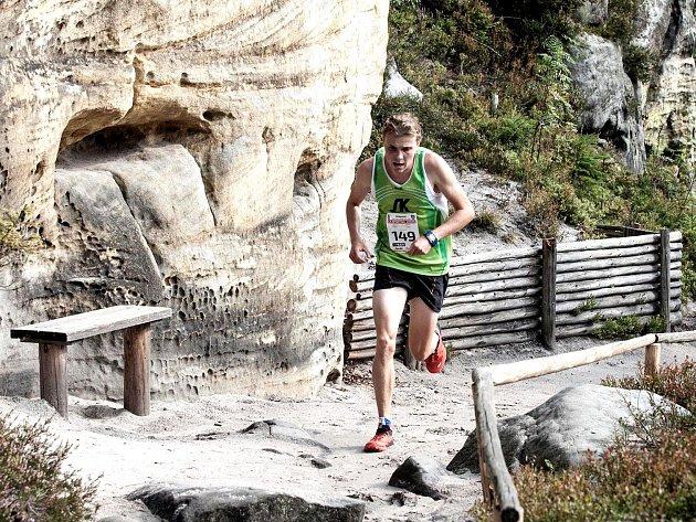 VYTRVALEC novoměstského Sportovního klubu Dominik Sádlo se stal třetím nejrychlejším časem historie vítězem 24. ročníku Běhu Teplickými skalami.