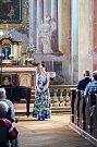 Letní počasí přilákalo do vižňovského barokního svatostánku více než tři sta posluchačů. Ti odměnili pěvecké schopnosti renomované umělkyně Simony Houda-Šaturové a klavíristky Lenky Navrátilové dlouhotrvajícím závěrečným potleskem ve stoje.