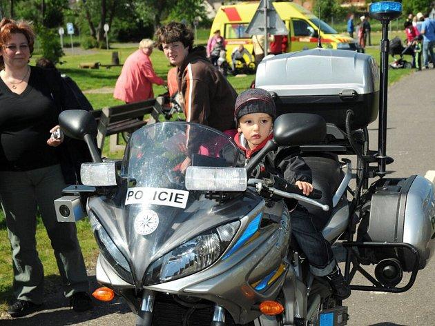 Den s policií na Dětském dopravním hřišti v Náchodě - Bělovsi.