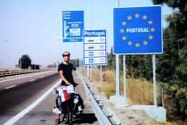 Broumovský rodák a známý cyklocestovatel Martin Stiller na jedné ze svých cest.