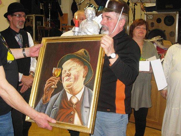 Vítěz Čůčobraní získá titul Královny sklepa, jednokřídlého anděla a další ceny.