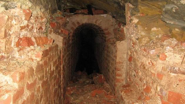 Neutěšený stav chodeb pevnosti Josefov.