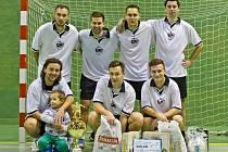 JEDENÁCTÝ ročník halového fotbalového turnaje Jelichov Cup vyhrál tým FC Sportisimo.
