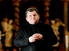 P. Petr Prokop Siostrzonek je představeným břevnovského arciopatství jako převor-administrátor od 4. září 1999. Opatskou benedikci přijme od arcibiskupa pražského Dominika kardinála Duky v neděli 14. ledna 2018.