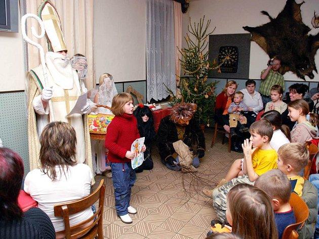 Pro děti bylo připravené odpoledne plné her, zábavy a hlavně mikulášská nadílka.