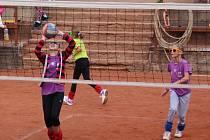 PÁTÝ ročník mládežnického volejbalového turnaje O pohár starosty města Náchoda se hrál za ideálních podmínek.