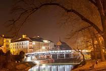 Jaroměřský most nabízí netradiční noční podívanou