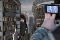 Zatím se odhaluje pouze knihovna, ale v brzké době plánují další díl, který se pro změnu zaměří na refektář. Foto: Sára Valášková