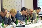 Kontroverzní prodej Pivovaru Náchod posvětili zastupitelé.