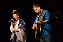 Adventní koncert v Jaroměři uspořádal David Novotný za podpory města. Vystoupily zpěvačky Anna Julie Slováčková, Marcela Holanová a Marcela Březinová.