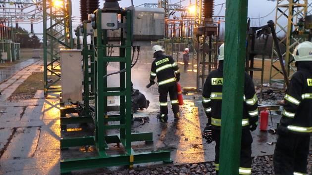 Požár olejového transformátoru v Neznášově.