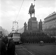 Křoví, které mělo zabránit uctít památku Jana Palacha získalo název Štrougalovy sady.