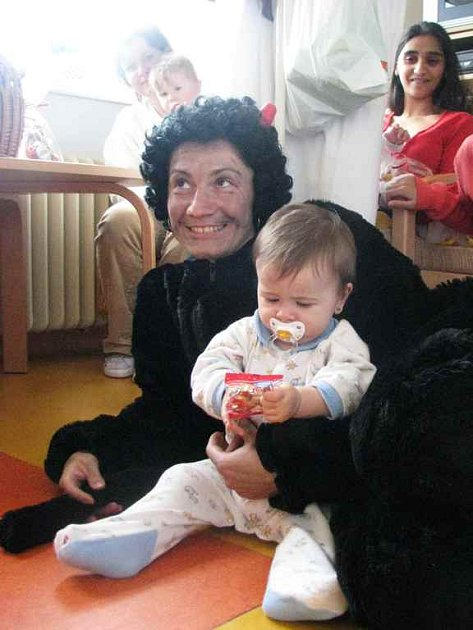 Děti na dětském oddělení Oblastní nemocnice Náchod se ve čtvrtek 4. prosince dočkaly Mikuláše.