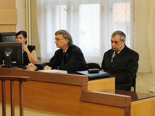 Náchodský exstarosta Oldřich Čtvrtečka u soudu.