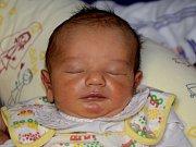 MILAN MIKEŠ z Jaroměře poprvé zakřičel na svět 17. října 2017 ve 12.18 hodin. Chlapeček vážil 3200 gramů a měřil 49 centimetrů. Ze svého prvního děťátka se radují rodiče Dominika a Milan.