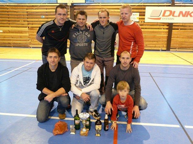VÍTĚZEM turnaje starých gard se stalo družstvo spojené z hráčů Velké Jesenice a Furt Durchu.