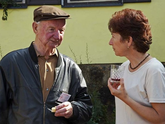 Malíř Jan Kousla vlevo.