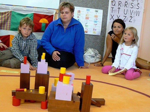 SEMINÁŘE PRO PŘEDŠKOLÁKY a jejich rodiče konané v Základní škole v Suchém Dole na Policku nabízejí ojedinělou přípravu na zahájení povinné školní docházky dětí se specifickými vzdělávacími potřebami.