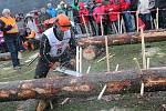 V sobotu se třiadvacet drsňáků z celé České republiky utkalo v Adršpachu o titul Dřevorubce roku.
