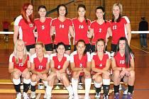 PRVOLIGOVÉ volejbalistky Hronova se ve své nováčkovské sezoně ve druhé nejvyšší domácí soutěži probojovaly do finálové části, čímž se vyhnuly bojům o záchranu.