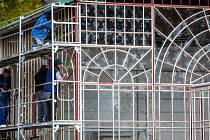 Altán, ve kterém se konají svatby, koncerty i výstavy, letos prošel obnovou, při níž se zrestaurovaly ocelové prosklené konstrukce a provedly další práce na elektroinstalaci či rozvodu vody.
