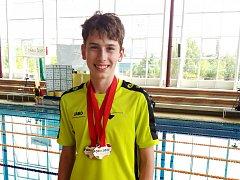 DVĚ třetí místa si na Olympiádě dětí a mládeže v Brně vyplaval Michal Jerman.